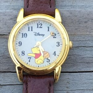 Winnie the Pooh bear Disney honey pot watch